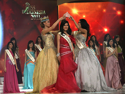 Astrid Ellena,Miss Indonesia world 2011