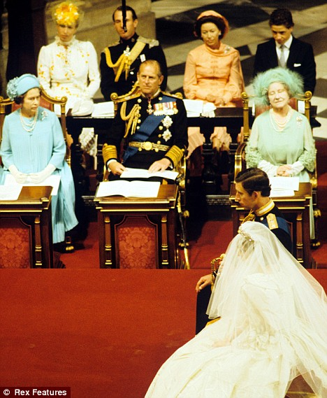 prince charles and princess diana wedding photos. gown. Royal Wedding