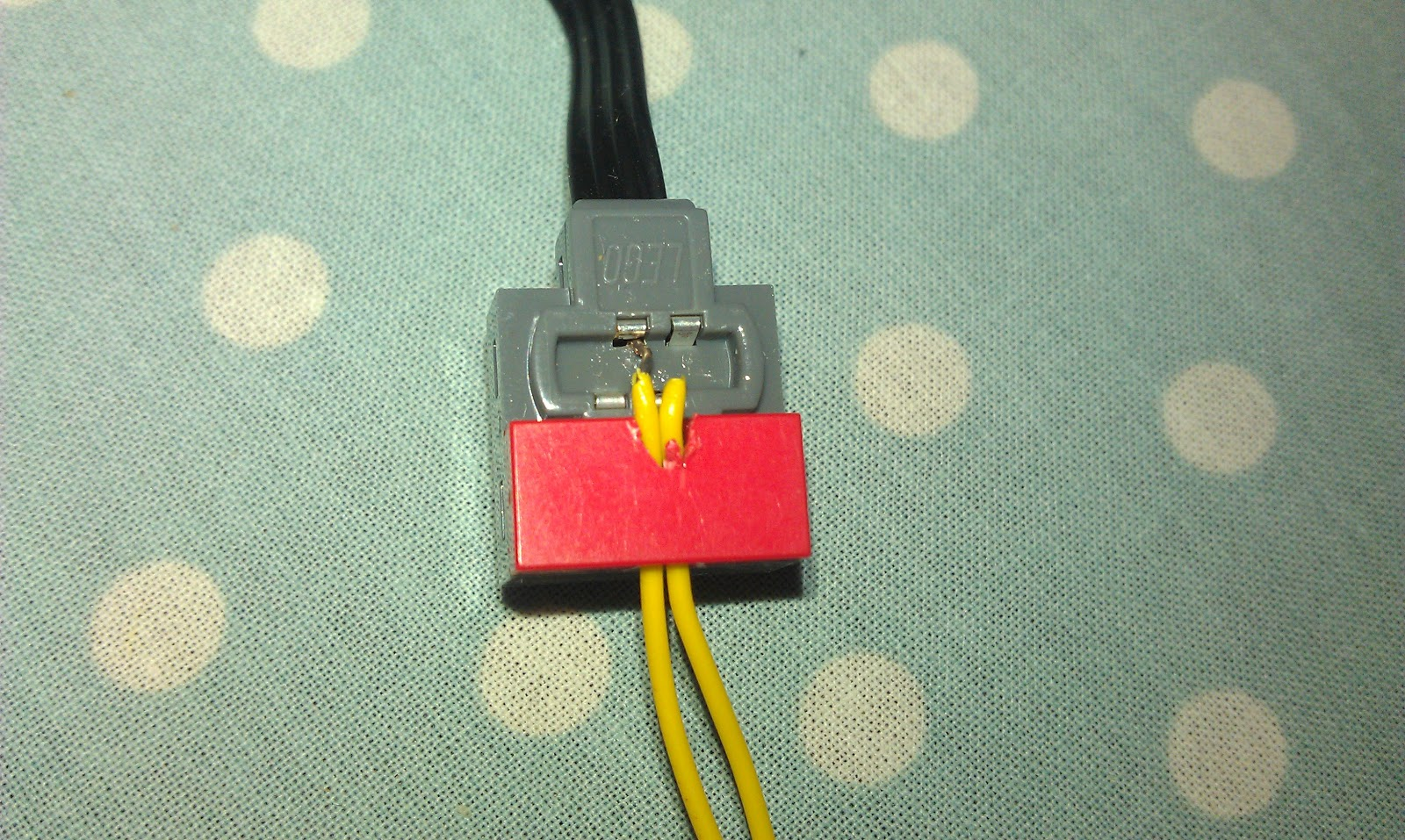 IMAG0468 paul's geek dad blog raspberry pi powered lego car lego power functions wiring diagram at gsmx.co