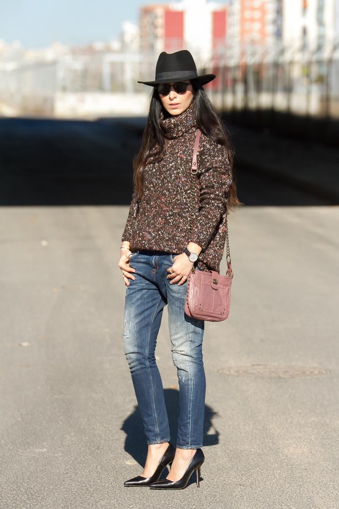 Blogger de Valencia de moda con estilo urbano y chic