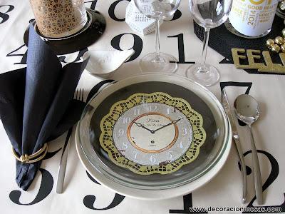Decoracion mesa Nochevieja plato y servilletero