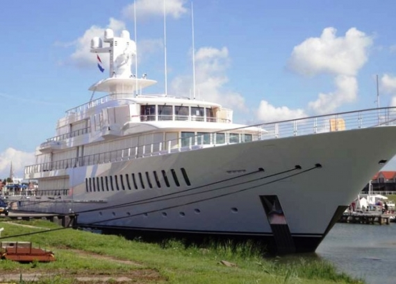 Mark Cuban had this luxury yacht custom built