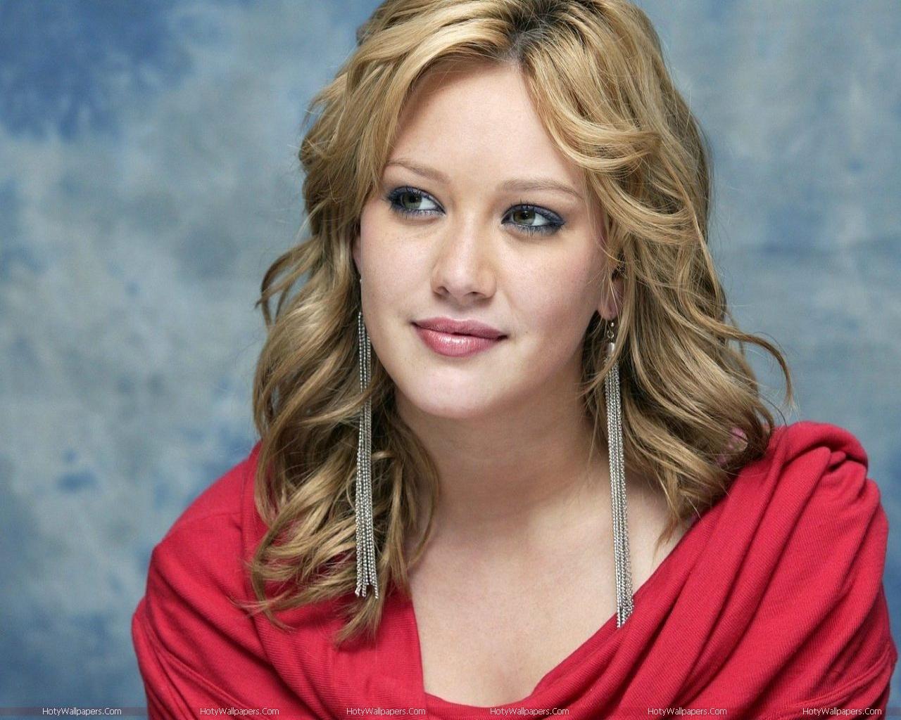 http://3.bp.blogspot.com/-sXln63GNdPU/TmSW2M_k96I/AAAAAAAAKRg/oHPQN2Q_I2w/s1600/Hilary_Duff_beautiful-wallpaper.jpg