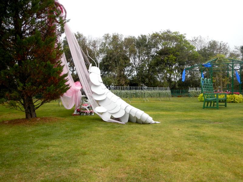 天を仰ぐ巨大ヨコエビ、最後の展示。