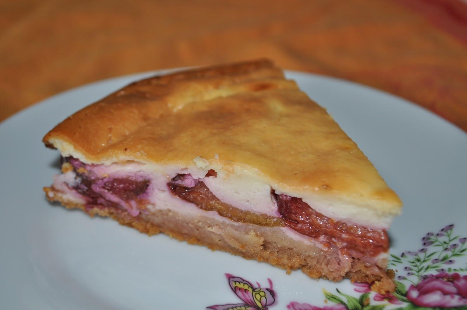 Творожный пирог со сливами рецепт пошагово в духовке