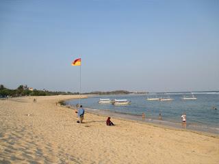 Tempat Wisata Pantai Mengiat  Nusa Dua Bali