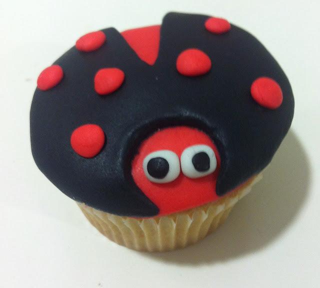 cupcake mariquita fondant