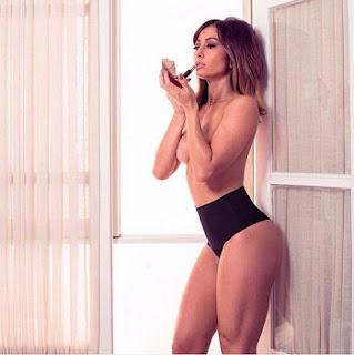 Uau! Sabrina Sato fez ensaio fotográfico e posou seminua para uma campanha de lingerie da marca Marcyn e mostrou uma das fotos em sua página no Instagram na tarde desta terça-feira, 21.