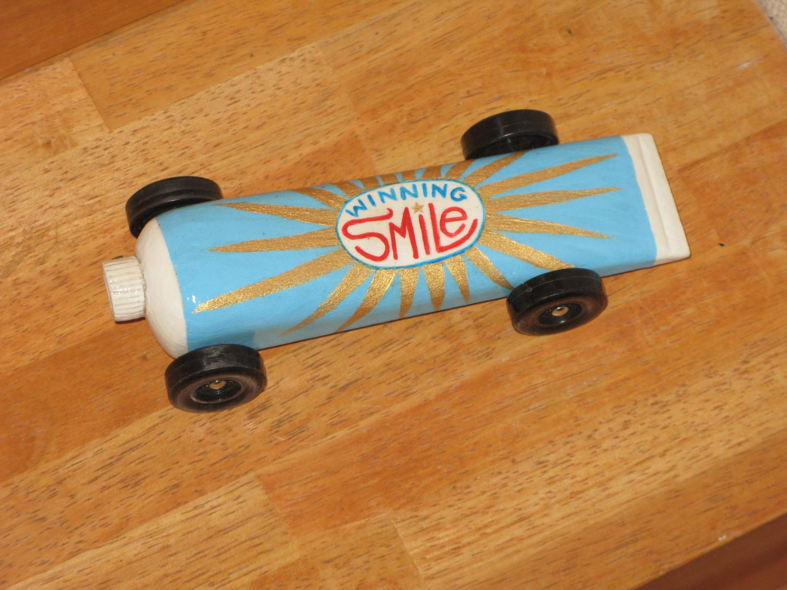 how to cut a pinewood derby car