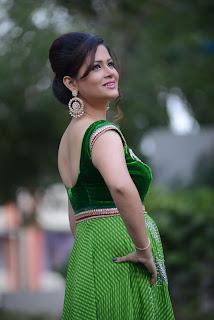 Shilpa Chakravarthy gorgeous stills 016.jpg