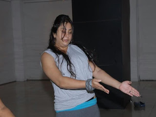 namitha's hot dance rehearls photoas  2011