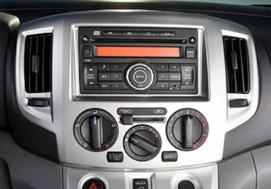 Nissan Evalia Stereo System - Center Console