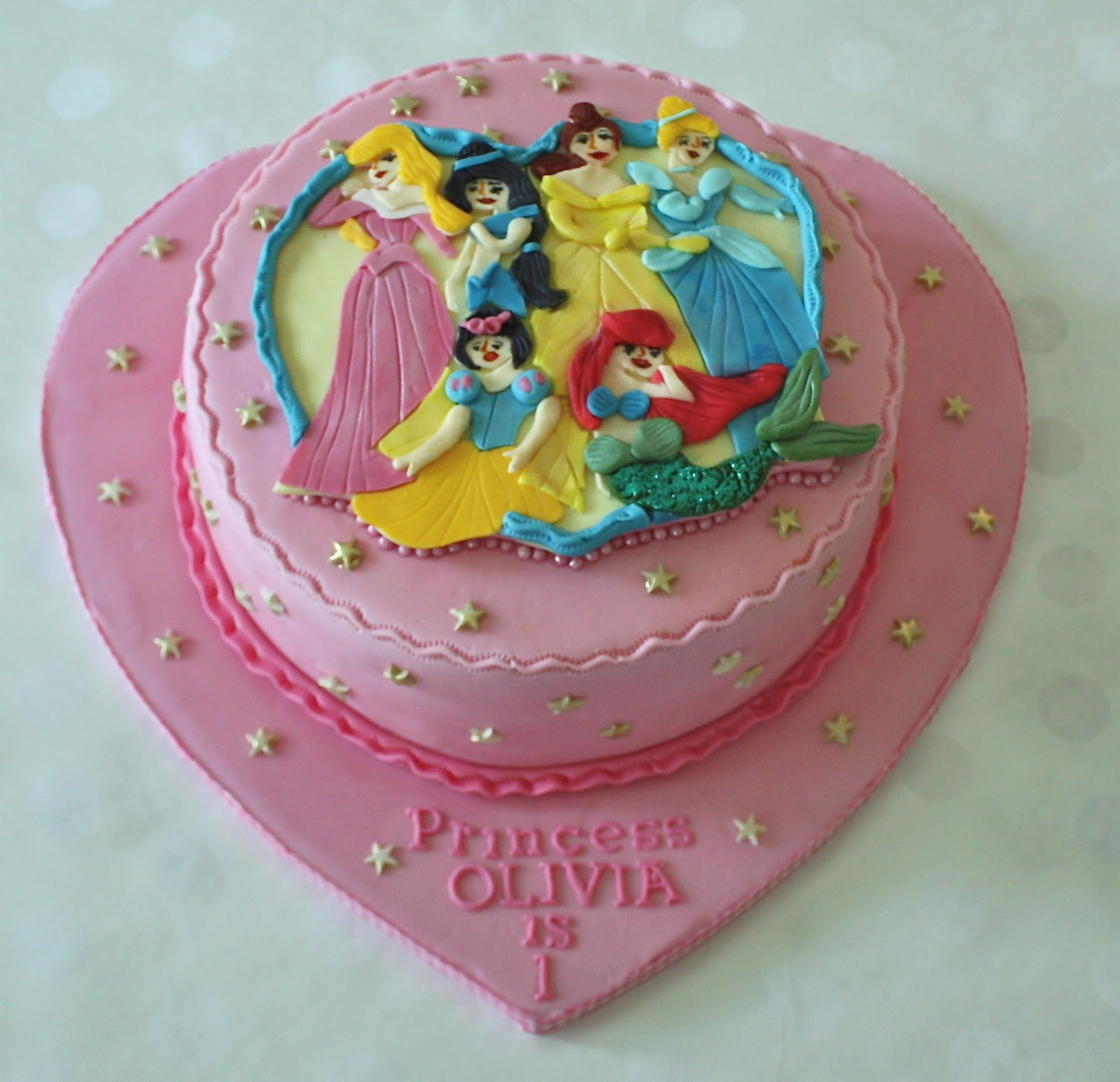 -: DISNEY PRINCESS CAKE