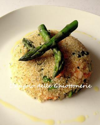 cupolette alla quinoa, asparagi e gamberi