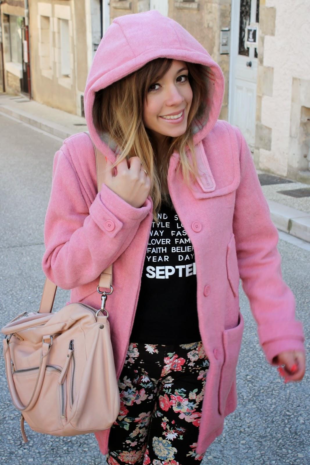 Manteau rose pantalon fleurs