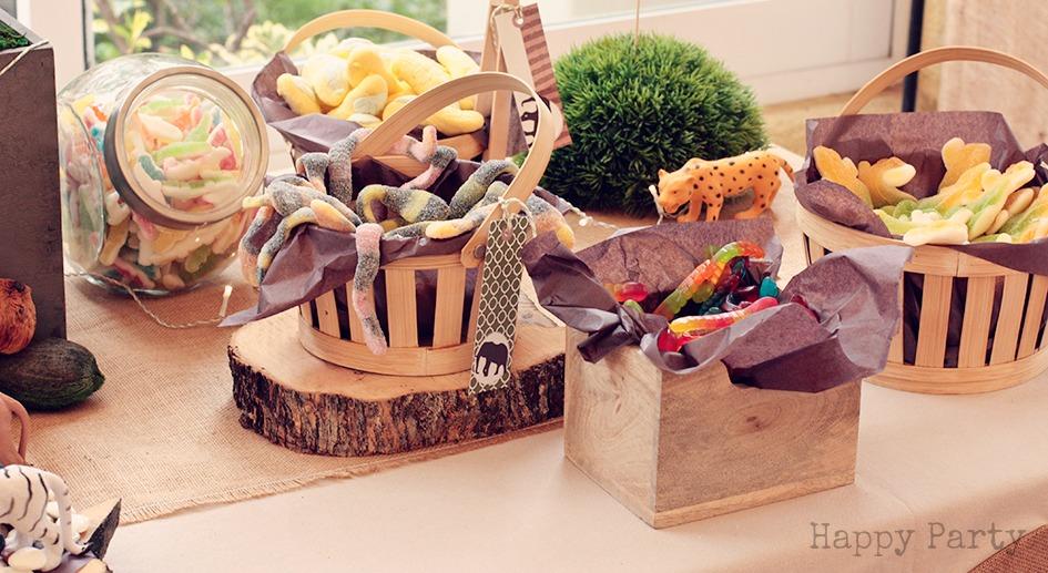 La comuni n safari de lvaro candy bar happy party for Mini candy bar de madera