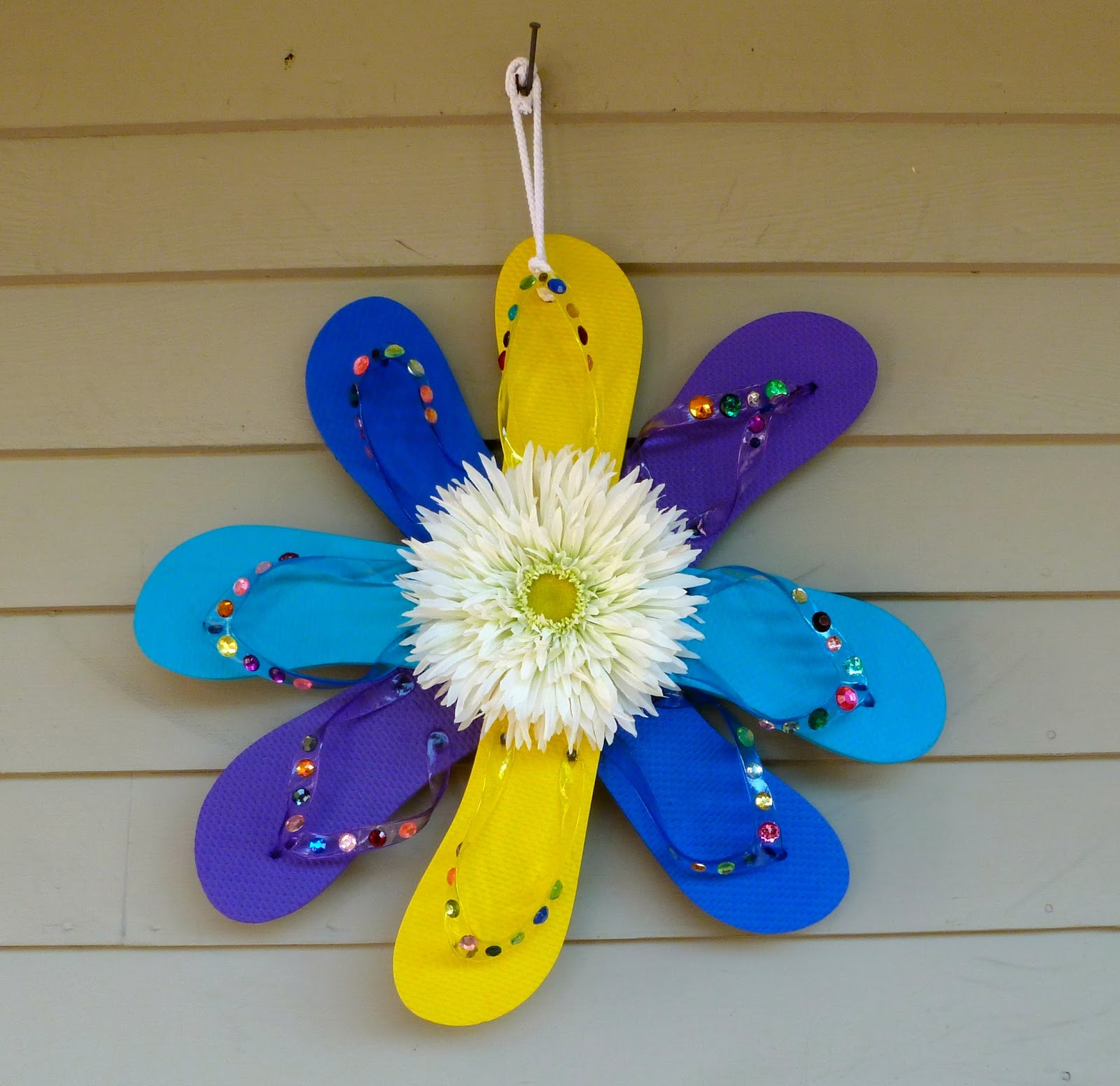 What better way to celebrate summer then making a bright flip flop ...