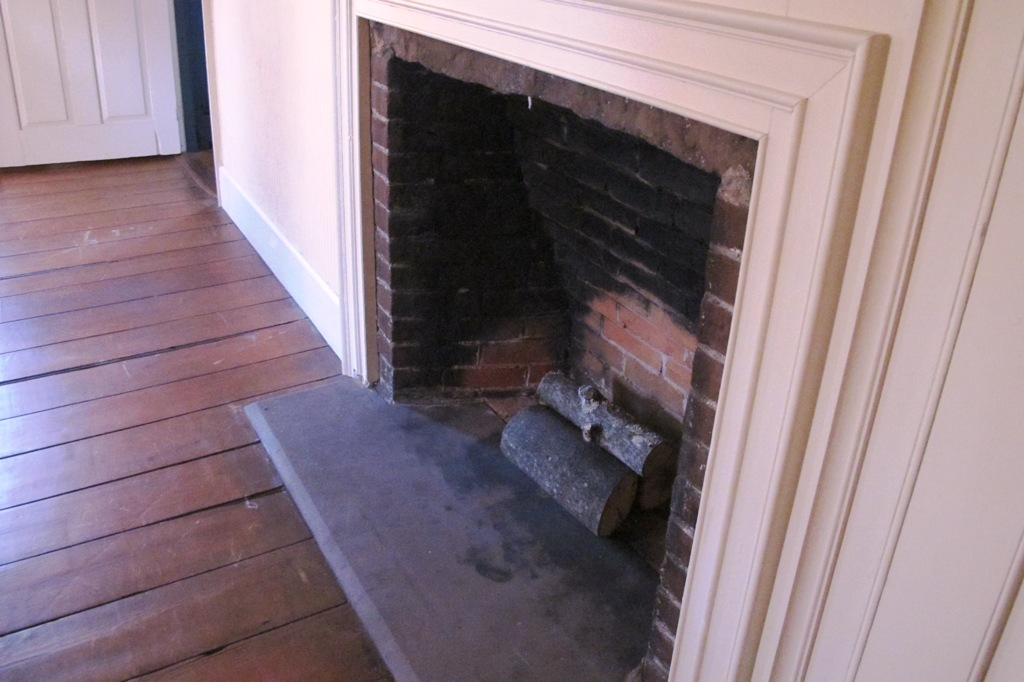 Touring my home possible addition confessions of an for Count rumford fireplace