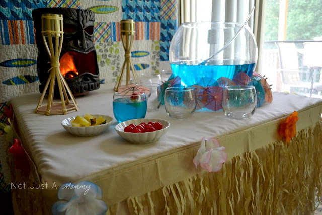 Party City Aloha To Summer Party drink table