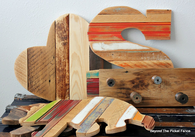 reclaimed wood, salvaged, rustic decor, wood shapes, wood bear, heart sign, wood spools, jigsaw, http://bec4-beyondthepicketfence.blogspot.com/2016/01/scrappy-shapes.html