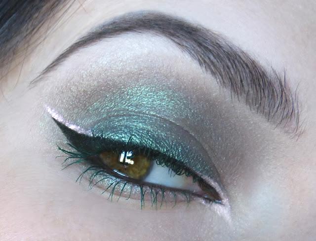 Twilight Green - makijaż mineralny