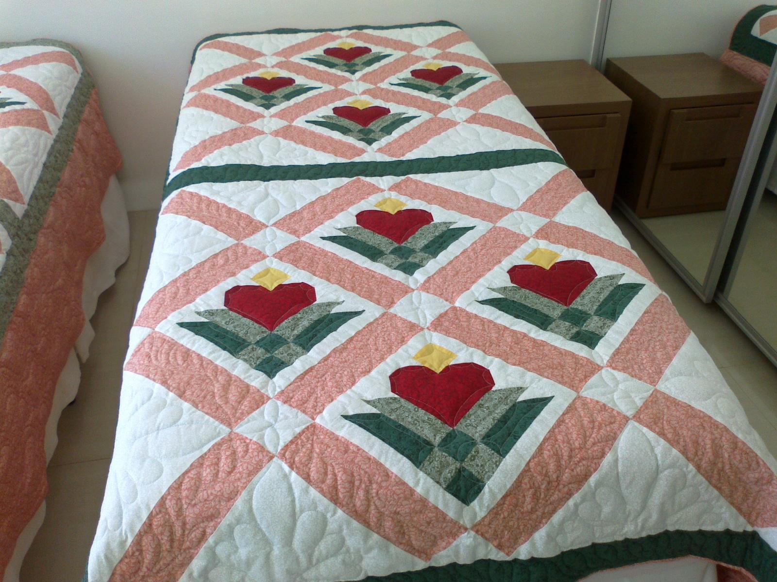 Val patchwork e bordados - Colcha patchwork ...