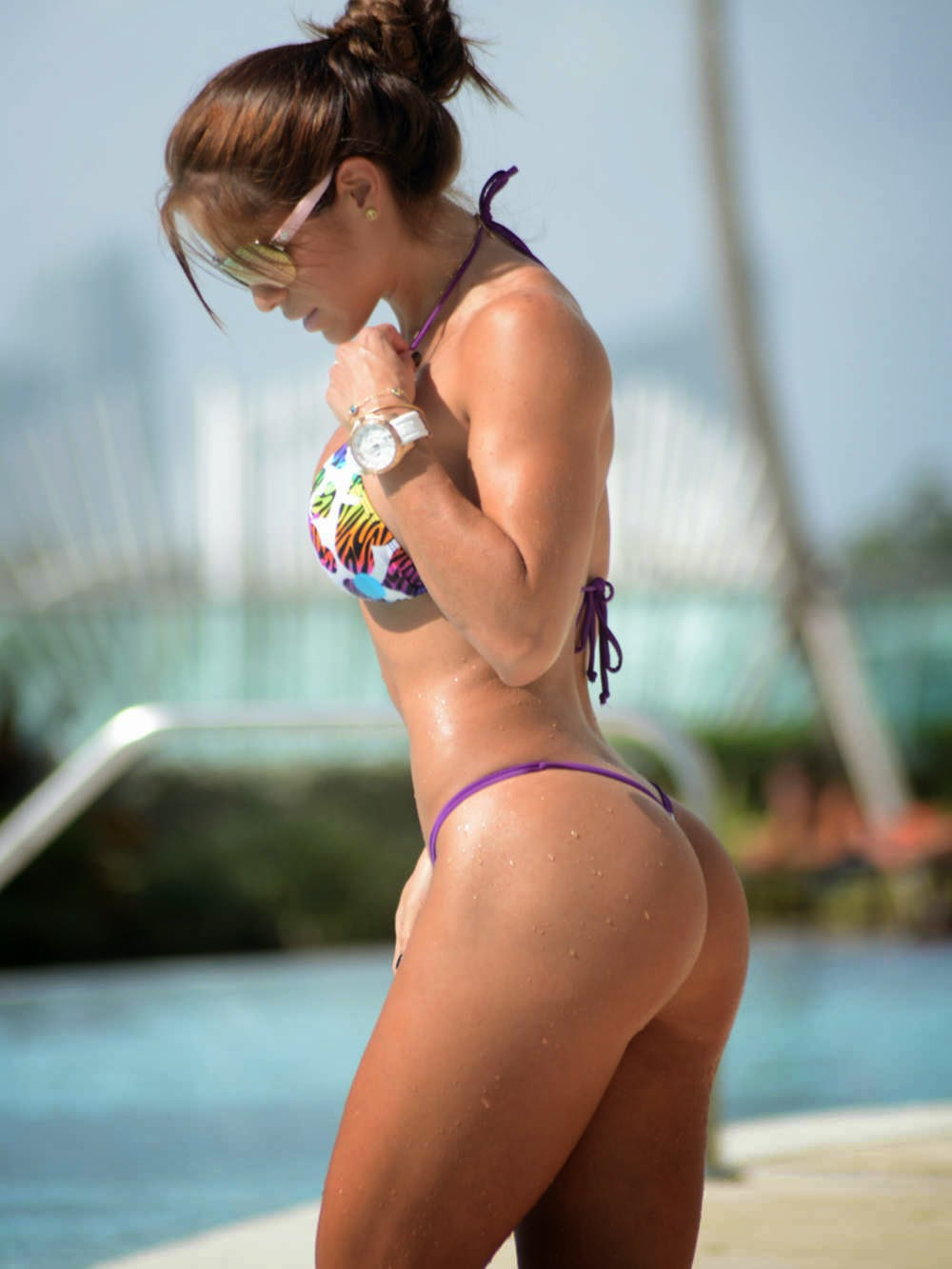 Booty fitness model Michelle Levin sexy bikini in Miami photo 1