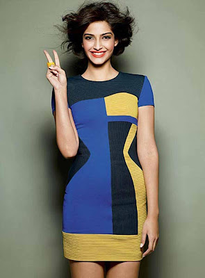 Sonam Kapoor Glamour Beautiful Chic in Bollywood Wallpapers
