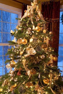 Proper Way To Decorate A Christmas Tree