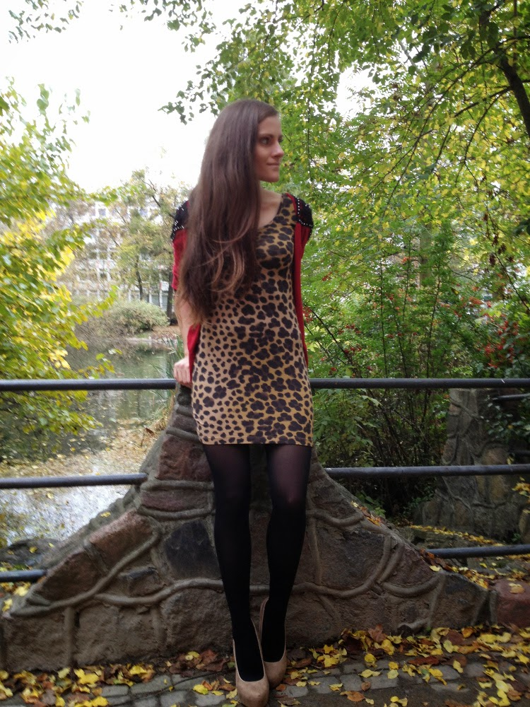 krotka sukienka w panterke