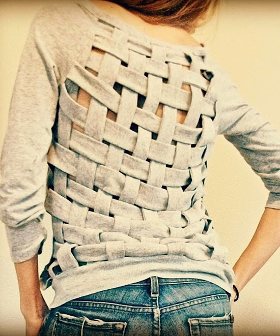 http://www.trashtocouture.com/2011/11/weaving-old-tshirts.html