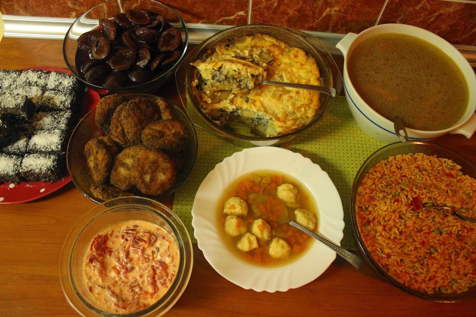 Ideja za rucak/cureca supa/fasir/rizoto/salata od paprike/kokos kocke