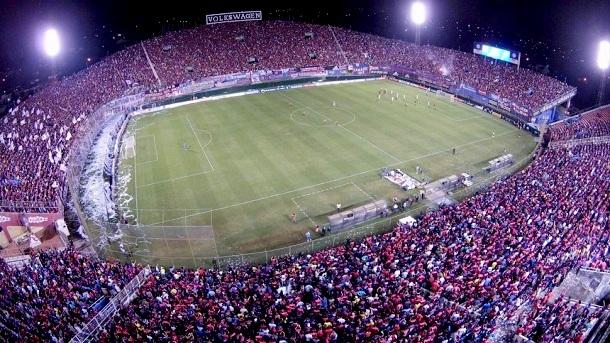 FIFA multa a Paraguay