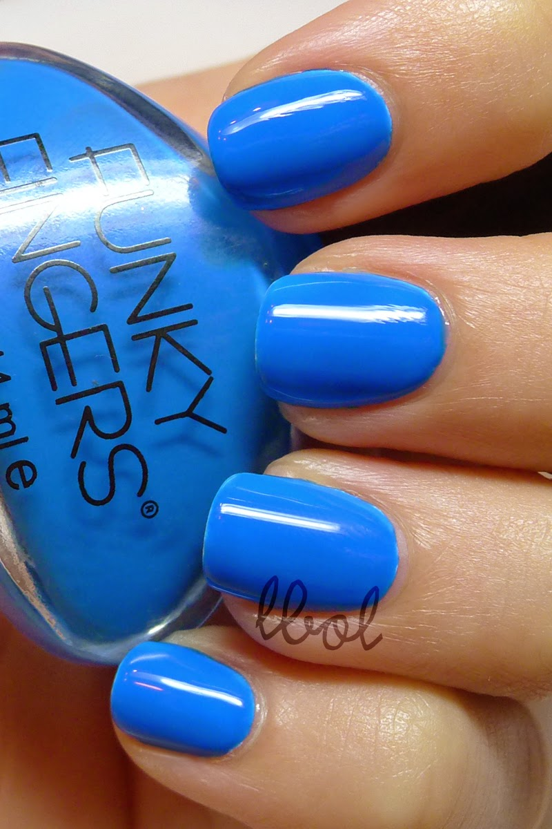 Funky Fingers 220 Volts Swatch