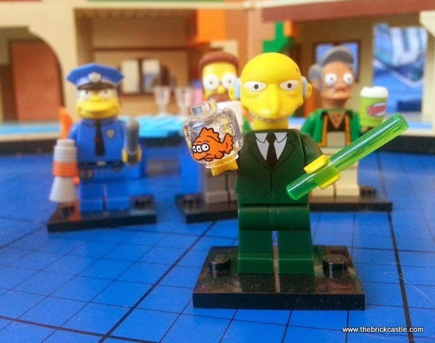 LEGO Simpsons Blinky the 3 eyed fish and Mr Burns