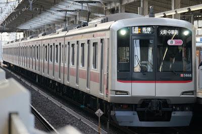 東武東上線和光市駅停車中の東急5000系