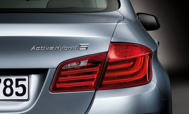 BMW ActiveHybrid 5 boot badge