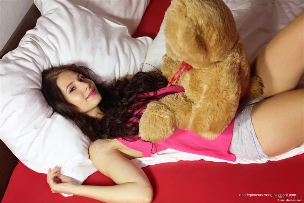 Người đẹp yêu thích gấu bông 9