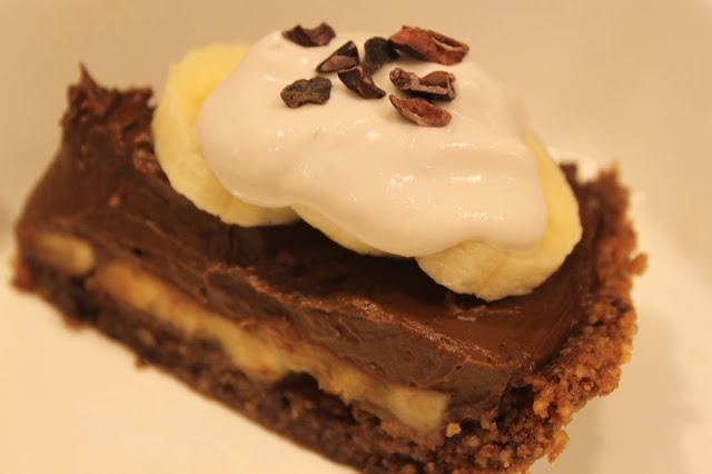 ... Topped with some fresh banana's, coconut whipped cream and cacao nibs