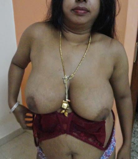 nude pics of homemade horny nude aunty romance at home   nudesibhabhi.com