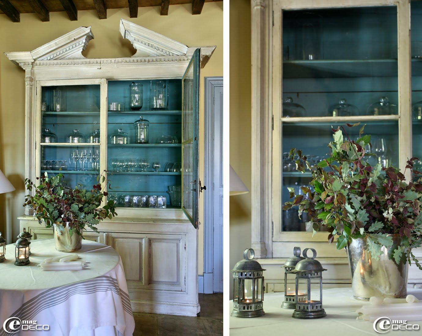 Dans le grand salon, la verrerie se range dans un ancien vaisselier de style Gustavien, Le Mas de Peint au Sambuc en Camargue
