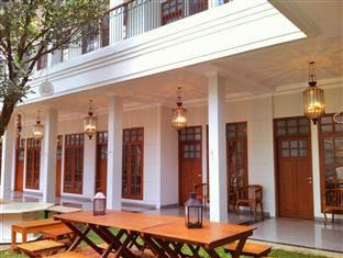 De'Halimun Guest House