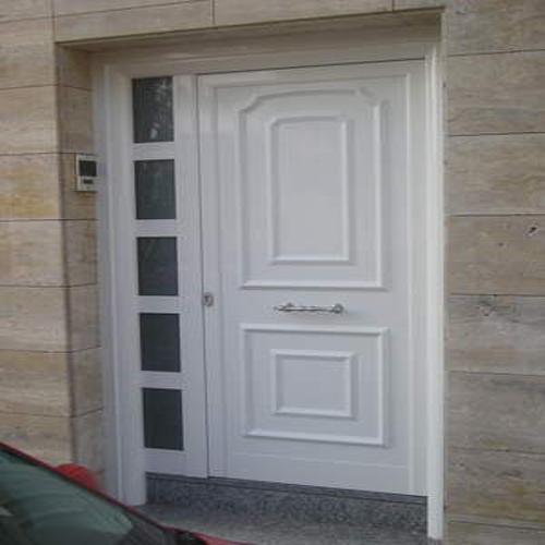 Puerta de aluminio con cerradura 3 puntos carpinteria for Puertas exterior aluminio baratas
