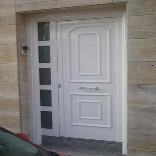 Puerta de aluminio con cerradura 3 puntos carpinteria for Puerta entrada aluminio