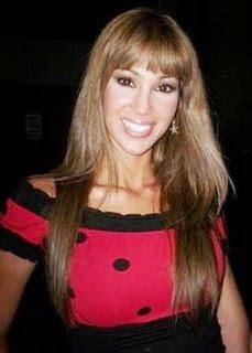 Melissa Loza con cabello castaño claro