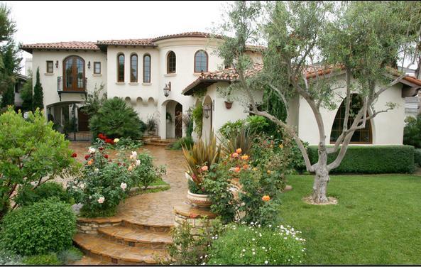 Villa front garden ideas photograph fotos de jardin jardi for Imagenes de jardines de casas