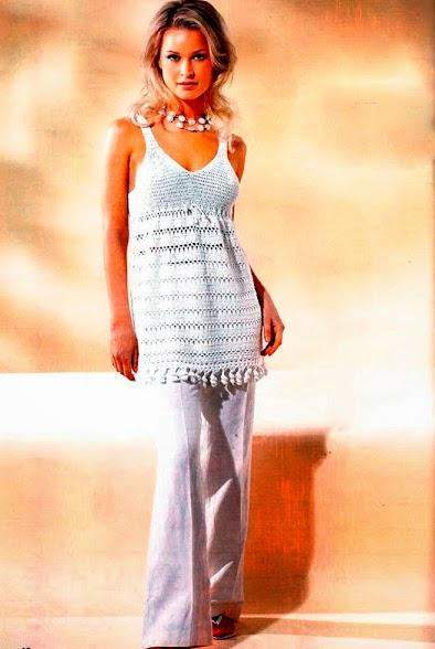 Camisola de mujer tejida con ganchillo con diagramas