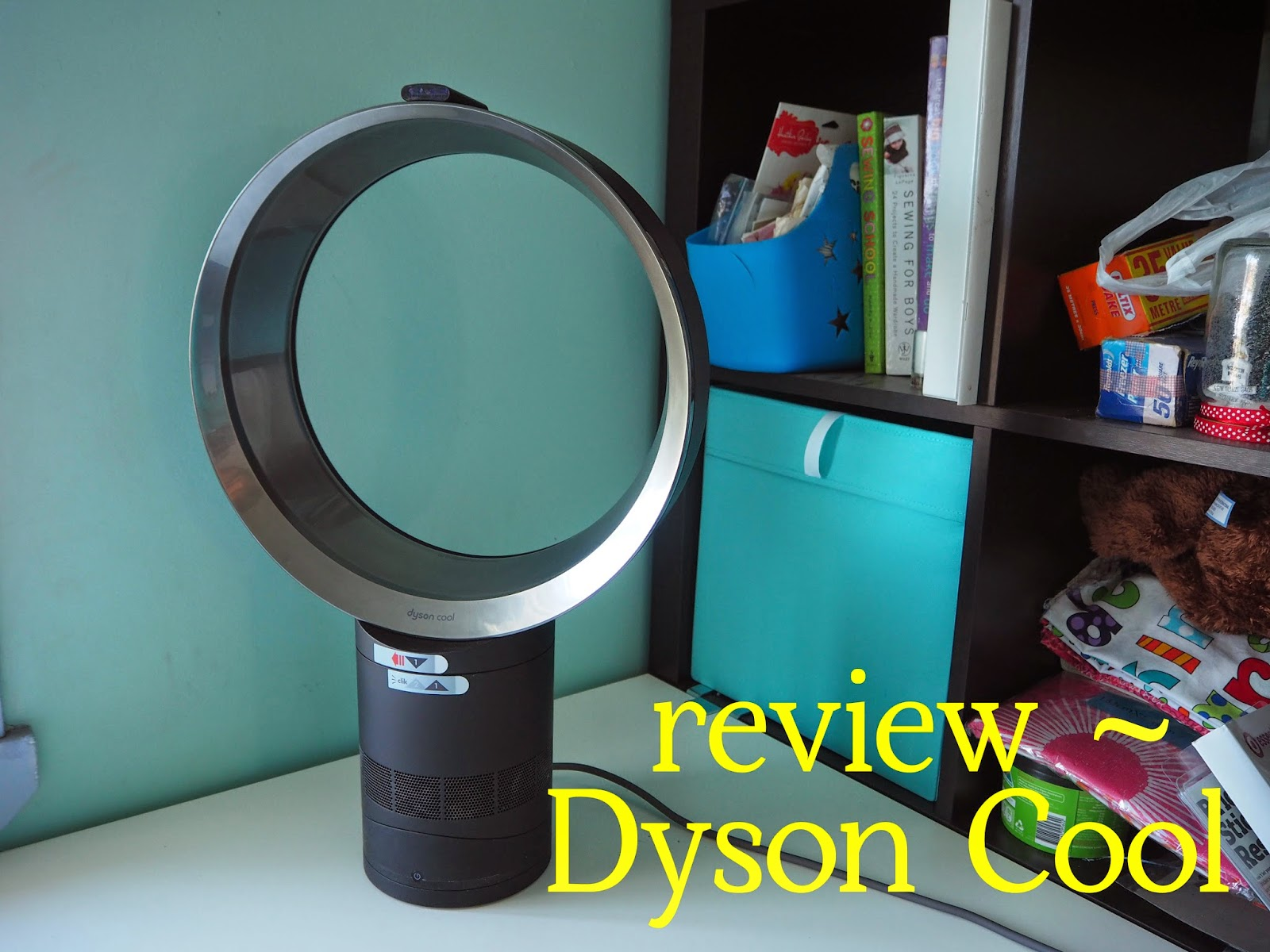review dyson cool am06 desk fan life behind the purple door. Black Bedroom Furniture Sets. Home Design Ideas