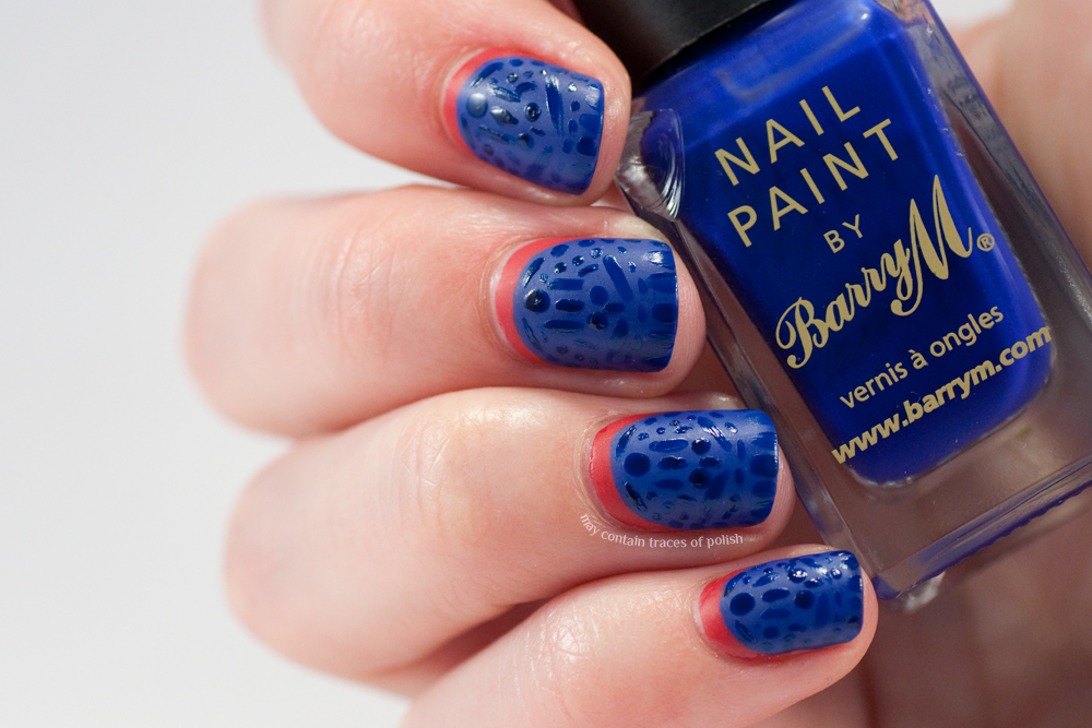 Matte and shiny pattern nail art - May contain traces of polish