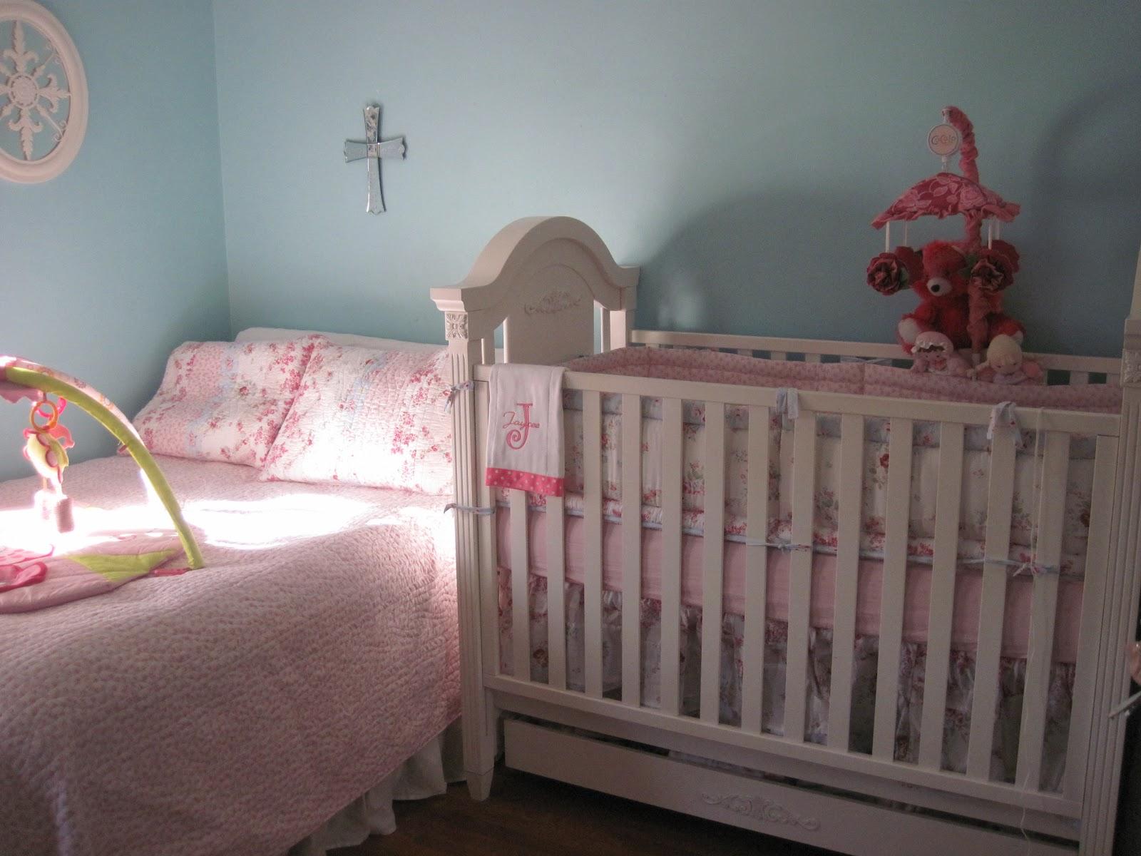 trinket junkie shabby chic baby crib diy. Black Bedroom Furniture Sets. Home Design Ideas